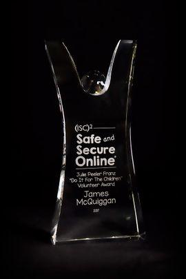 2017-Volunteer-Award-web.jpg